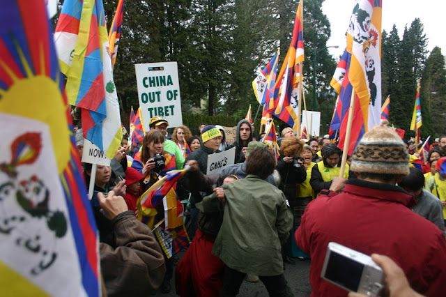 Global Protest in Vancouver BC/photo by Crazy Yak - IMG_0564.JPG