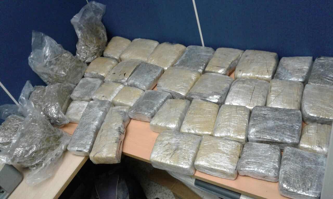 Ocupan 332 libras presumiblemente marihuana en provincia Independencia y Distrito Nacional.