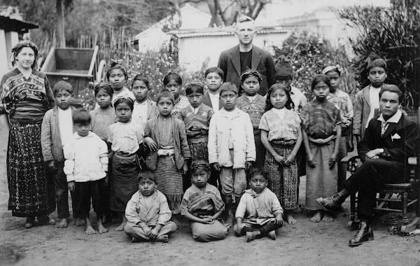 Townsends and Cakchiquel children