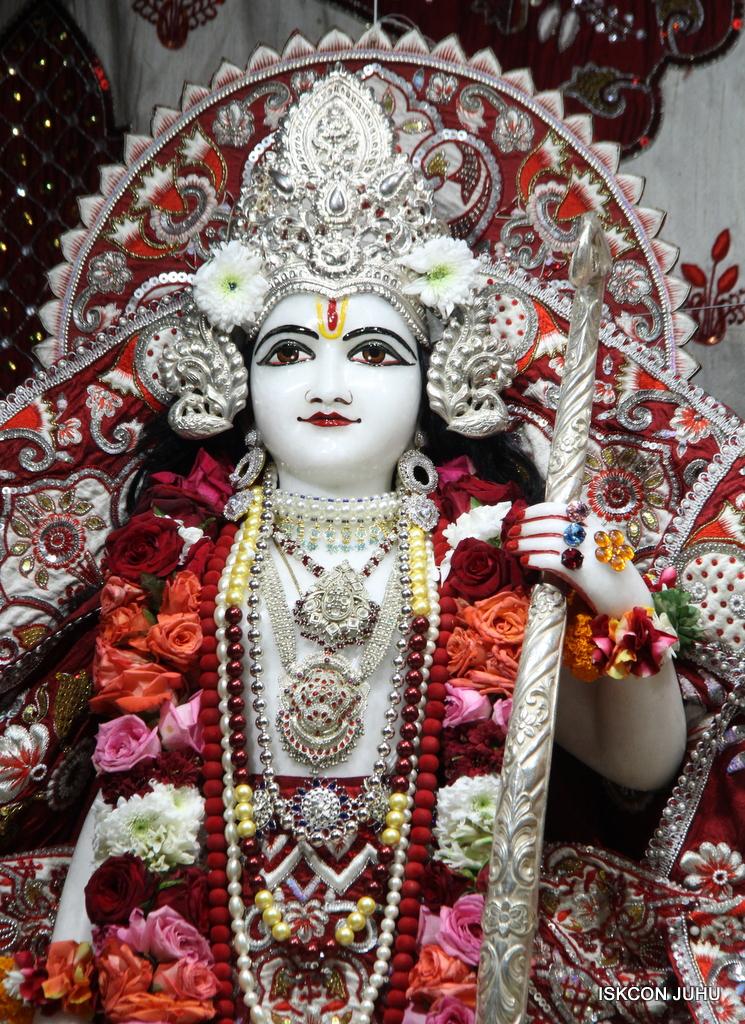 ISKCON Juhu Sringar Deity Darshan on 30th Sep 2016 (44)
