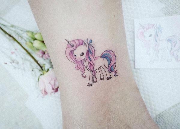 este_deslumbrante_tatuagem_de_unicrnio
