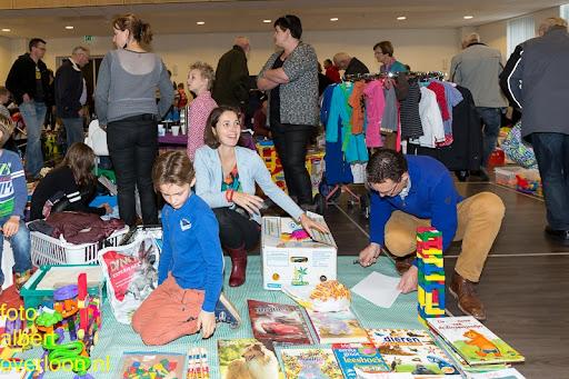 Kindermarkt - Schoenmaatjes Overloon 09-11-2014 (6).jpg