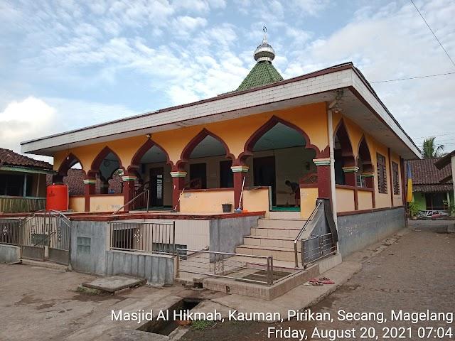 Bersih Bersih masjid di masjid Al Ikhlas, Kauman, Pirikan, Secang, Magelang