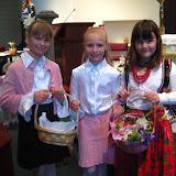 4.23.2011 Święcenie pokarmów w Wielką Sobotę w kościele MOQ, w Norcross. Typowe koszyki wielkanocne - IMG_7868.JPG