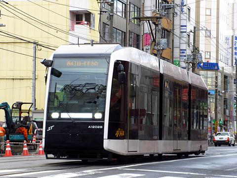 札幌市電 A1202号「ポラリス」 西4丁目にて その2