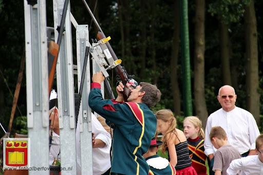 Koningschieten Sint Theobaldusgilde overloon 01-07-2012 (29).JPG