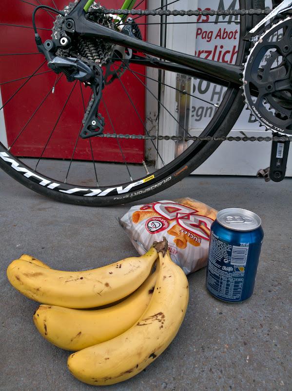 Pranzul de urgenta al ciclistului.