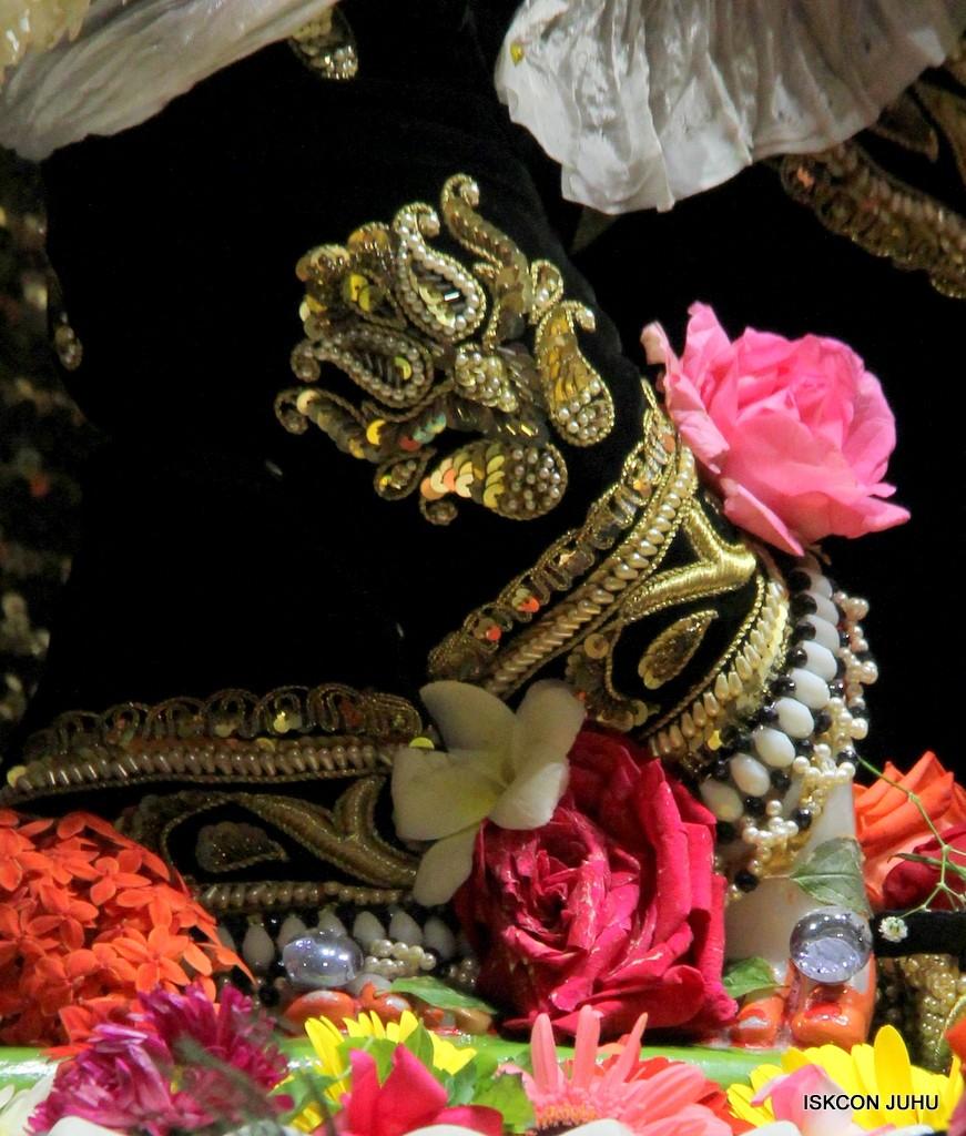 ISKCON Juhu Sringar Deity Darshan 7 Jan 2017  (13)