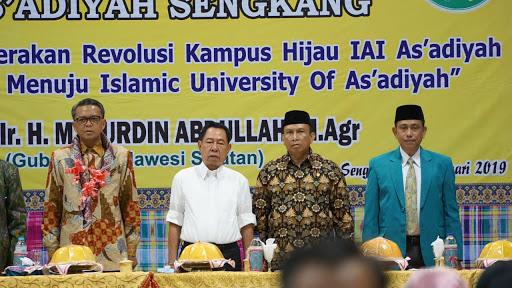 Gelar Kuliah Umum di As'adiyah Sengkang, NA Singgung Jalan Rusak