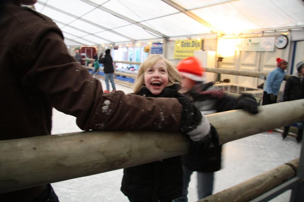 Sinterklaas bij de schaatsbaan - IMG_0367.JPG