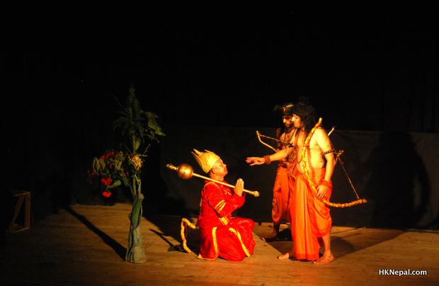 यात्रीको निर्देशनमा रामायण मञ्चन