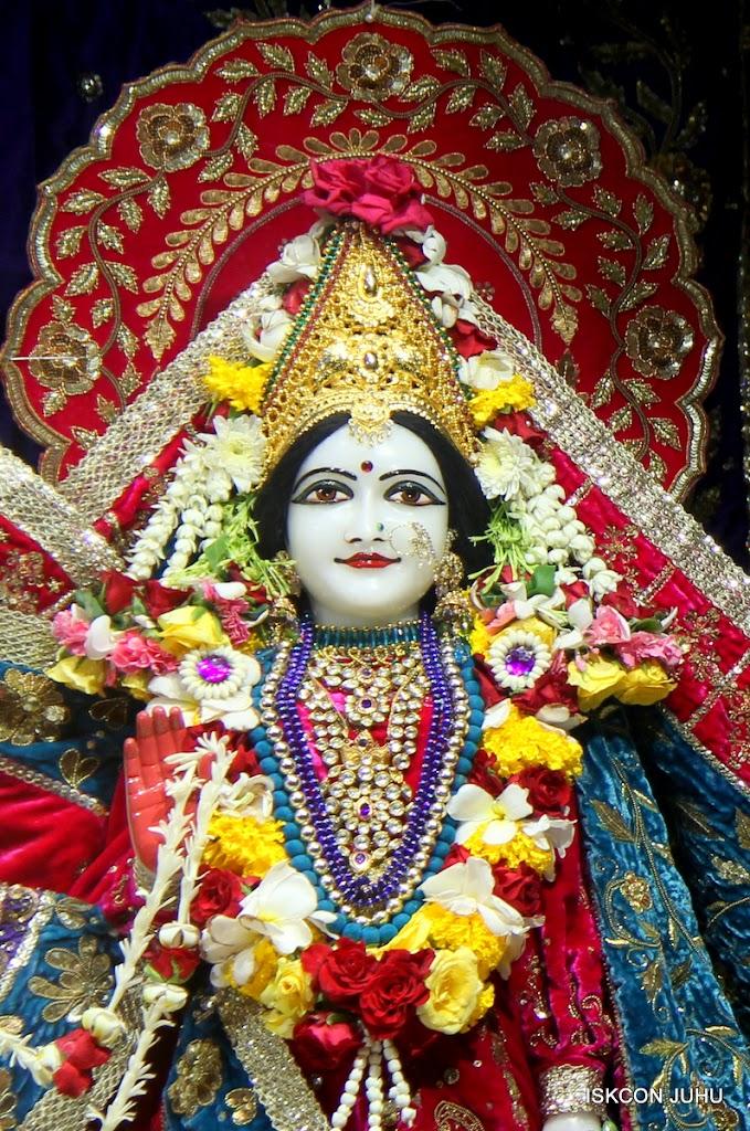 ISKCON Juhu Sringar Deity Darshan on 1st May 2016 (24)