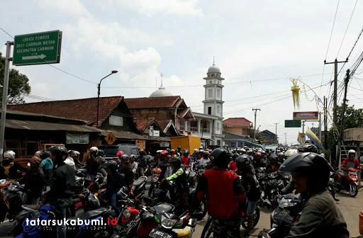 Belum Ada Kata Sepakat, Ribuan OJek Pangkalan Mengular Kuasai Jalan Sukabumi - Cibadak