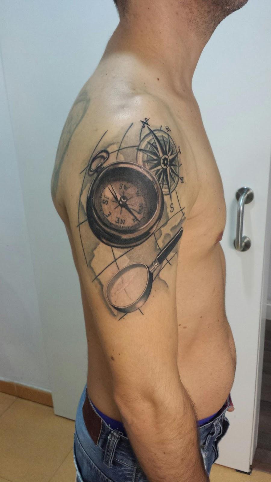 Abelo Tattoo Tattoo Brújula Mapa Lupa