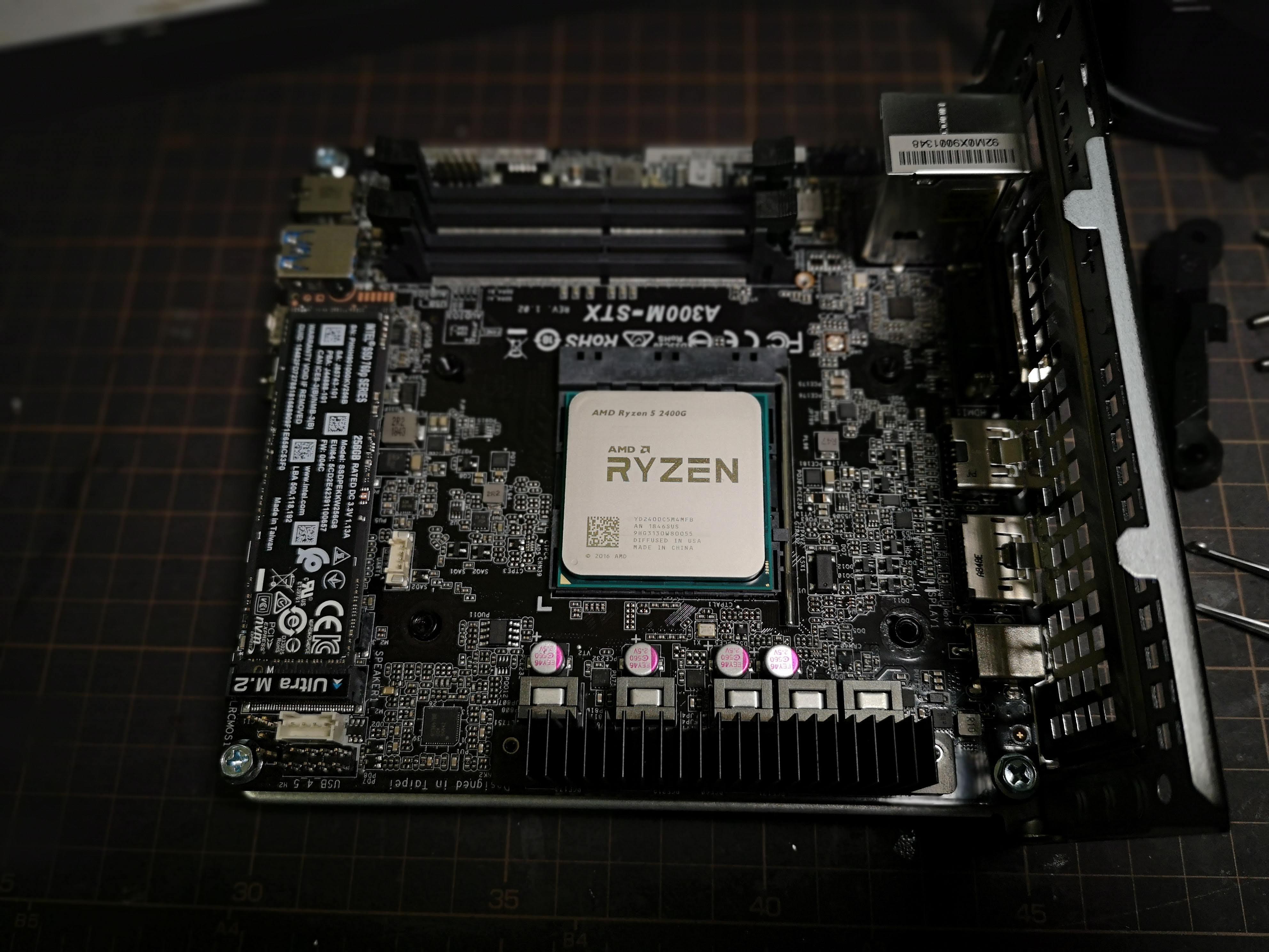 ASRock DeskMini A300 買った (Ryzen 5 2400G / 16GB / リテールクーラー
