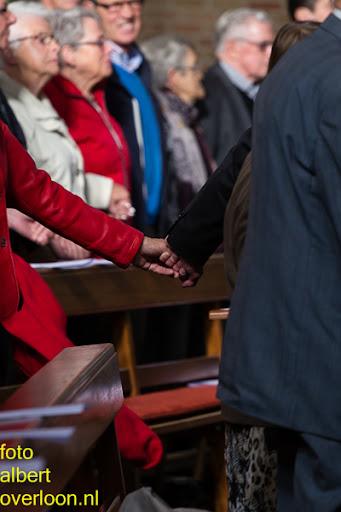 herdenkingsdienst  en een stille tocht naar het Engelse kerkhof 12-10-2014 (31).jpg