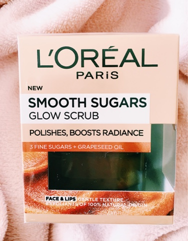 L'Oreal Smooth Sugars Glow Scrub packaging