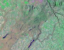 Ice Age Flood features across the Columbia Basalt Plateau (Landsat7)