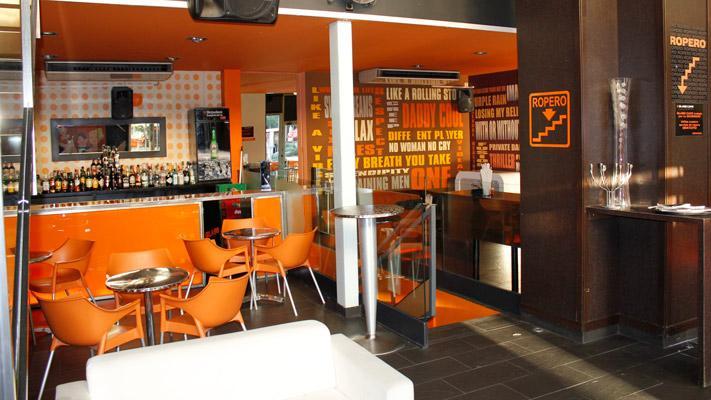 Glass cafe alcala de henares luis coctelero - Diseno cafeterias modernas ...