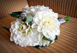white dahlia posy wedding
