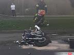 Jelenia Góra: Motocyklista wpadł w poślizg i uderzył w ciężarówkę.