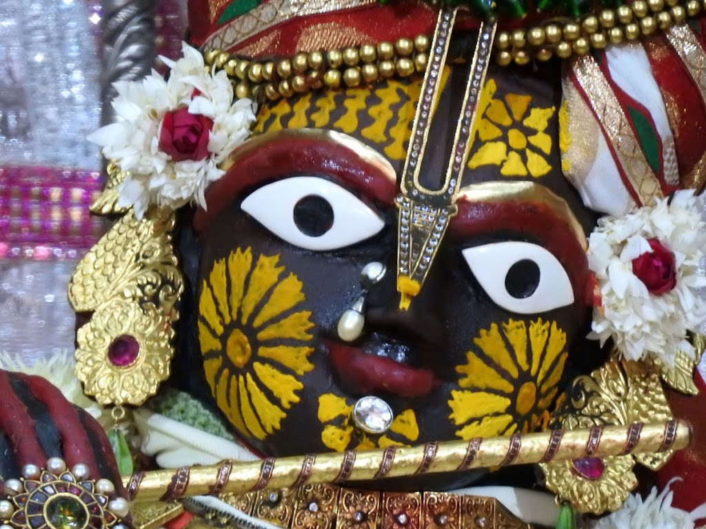 Radha Govind Devji Deity Darshan 02 Jan 2017 (4)