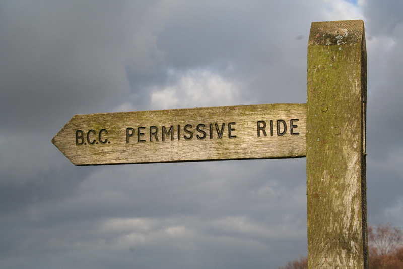 06 banstead heath signpost