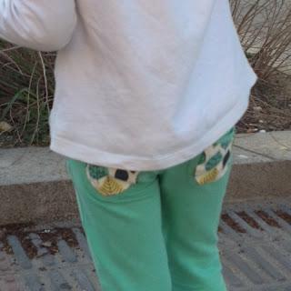 Reciclaje reutiliza arregla ropa niños ahorro