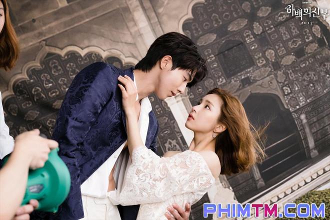 Netizen đồng loạt thả nút phẫn nộ ngay tập 1 Cô Dâu Thủy Thần vì quá dở - Ảnh 1.