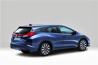 2014-Honda-Civic-Tourer-9