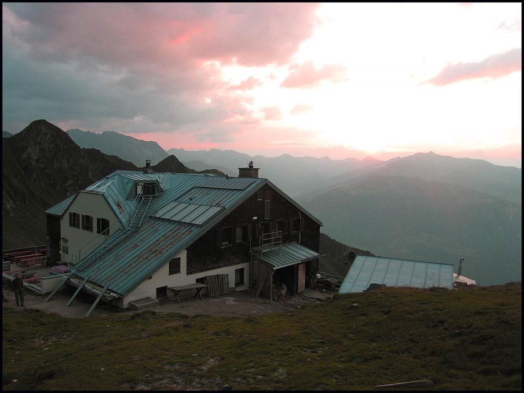 [2111-Sunset-with-Hut%5B3%5D]