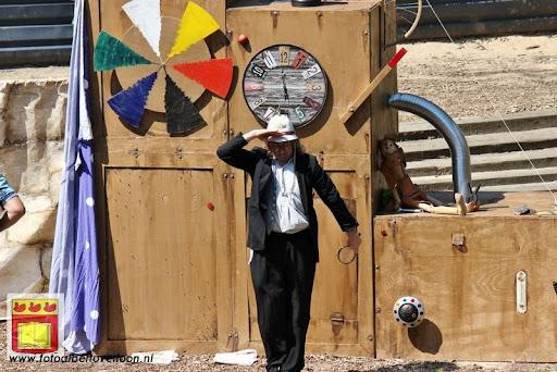 Sjluuk & Co en de geheime speelgoedmachine Openluchttheater Overloon 25-07-2012 (27).JPG