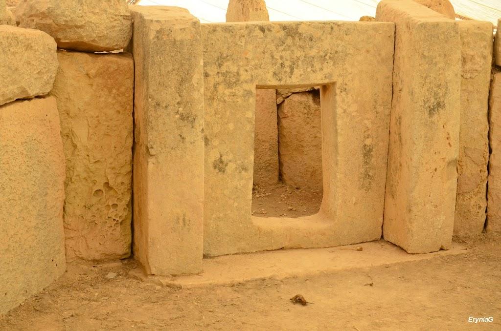 patrz: Megality Malty