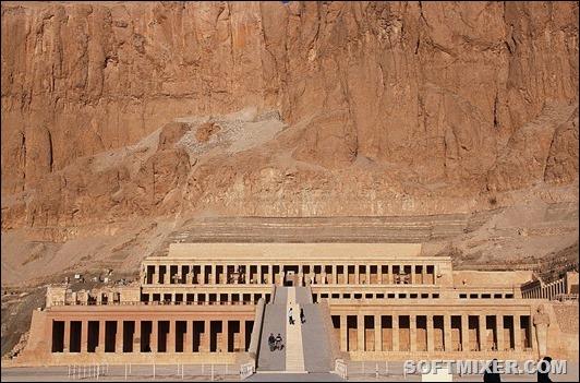 1920px-Deir_el-Bahari_0489