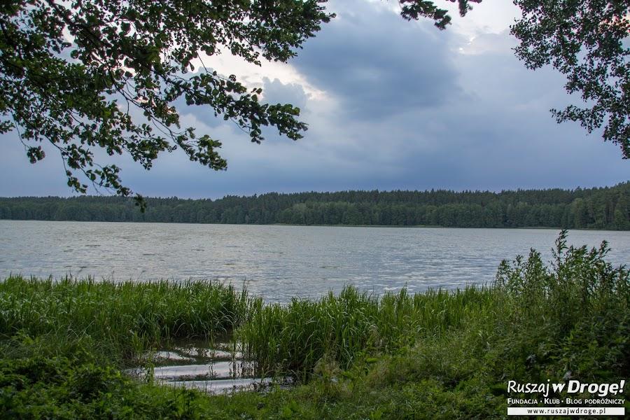 Niebieska Warmia - jezioro na końcu Warmii w Łajsie