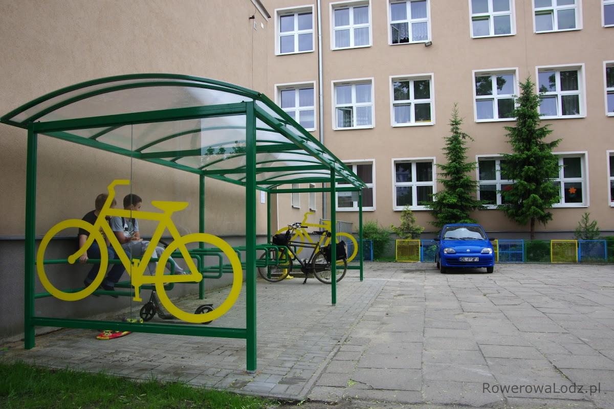 Zadaszony parking dla rowerów