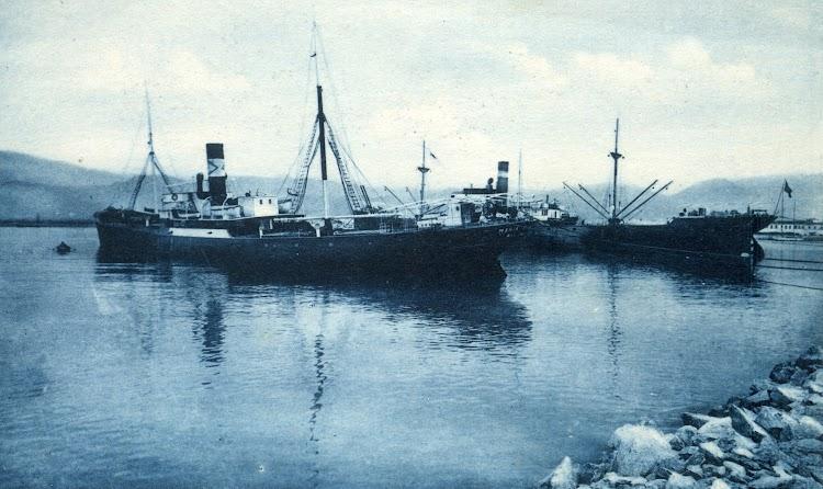 El vapor MARIA DALME DE R. en Motril. Postal.jpg
