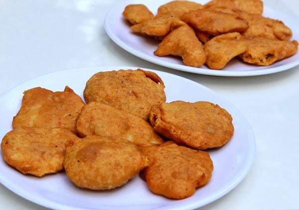 Vegetable Bajji Recipe   Indian Bhajiyas - Deep Fried Snacks