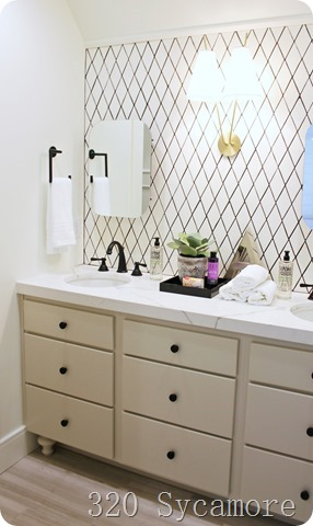 tile pattern bathroom wall