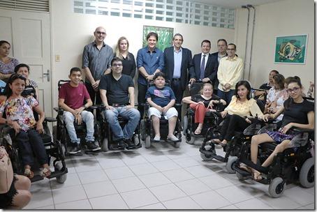 05.06 Entrega de cadeiras motorizadas no CRI - RM  (1)