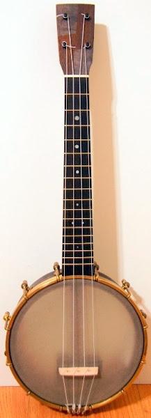 Mya Moe Tenor scale Banjolele