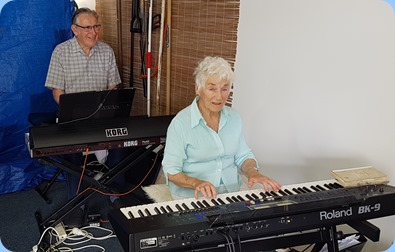 Roy Steen on Korg Pa4X and Audrey Henden on Roland BK-9 for a jam session.