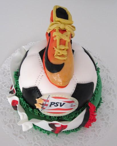 815- Voetbalschoen taart.JPG