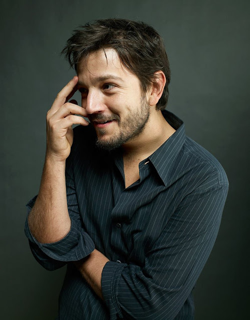 Diego Luna Profile pictures, Dp Images, Display pics collection for whatsapp, Facebook, Instagram, Pinterest.