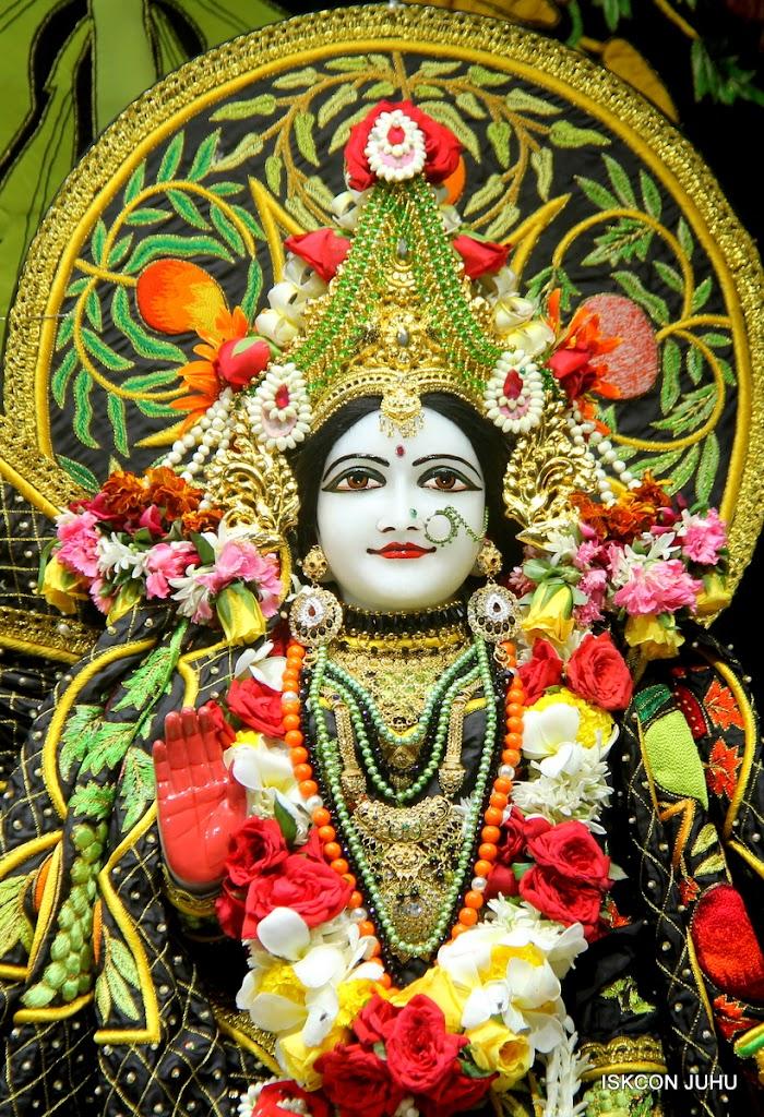 ISKCON Juhu Sringar Deity Darshan on 2nd July 2016 (24)