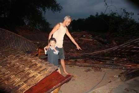 berita terkait bencana puting beliung di kabupaten Ngawi Jatim