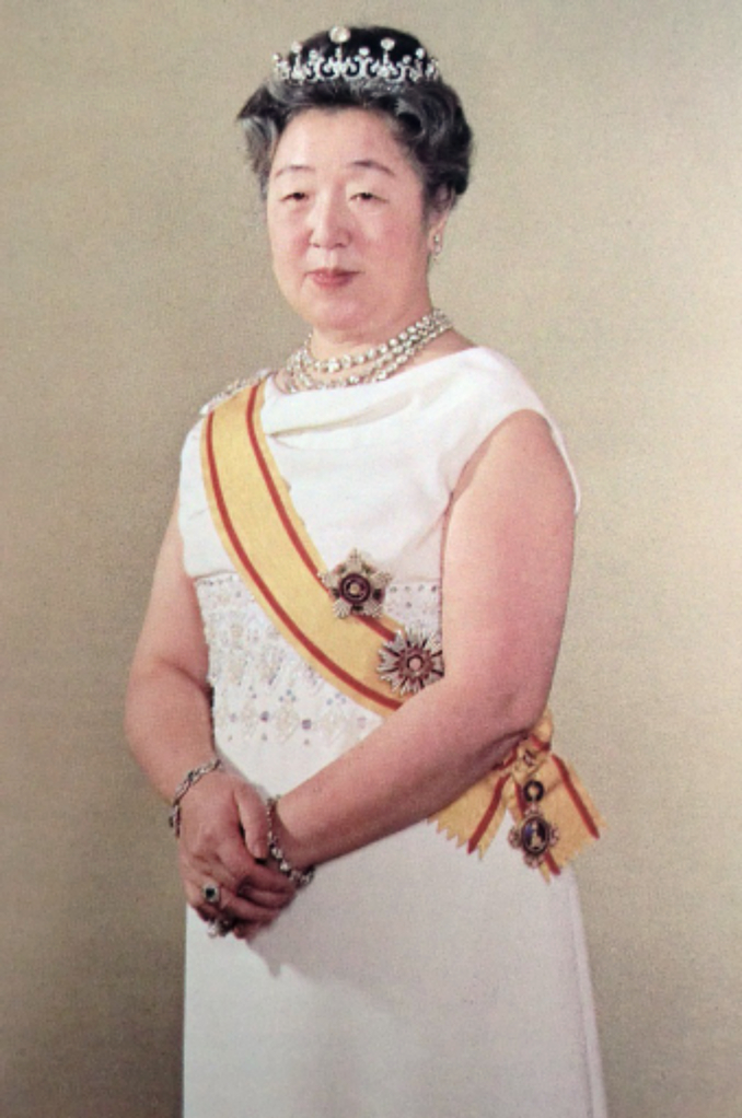파일:external/akafkaesquelife.files.wordpress.com/empress-nagako-kojun-japan-diamond-tiara.jpg