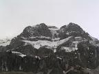 Η χιονισμένη Στρογγούλα στα Πράμαντα