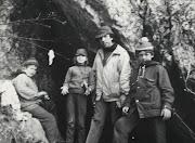 Крым-82.  Вход в Туакскую пещеру
