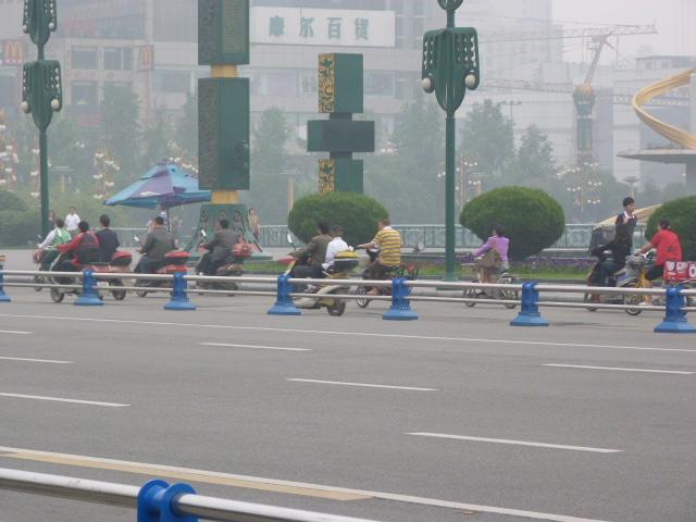 la grande place de Chengdu à  9 heures du matin